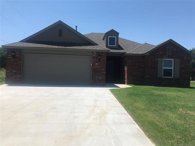 812 N Guthrie Street, Coweta, OK 74429 (MLS #1818142) :: Hopper Group at RE/MAX Results