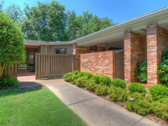 2130 E 59th Street A3, Tulsa, OK 74105 (MLS #1819787) :: Hopper Group at RE/MAX Results