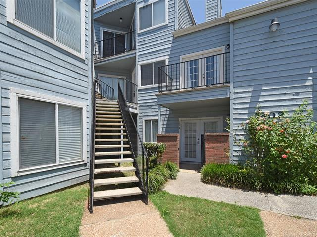 1802 E 66th Place #207, Tulsa, OK 74136 (MLS #1820804) :: Hopper Group at RE/MAX Results