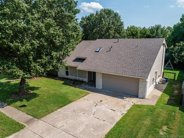 2611 W Boston Place, Broken Arrow, OK 74012 (MLS #1829162) :: American Home Team