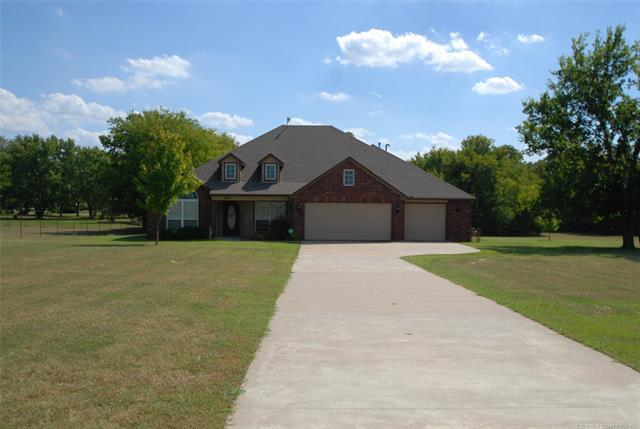 6910 E 390 Road, Oologah, OK 74053 (MLS #1834477) :: Hopper Group at RE/MAX Results