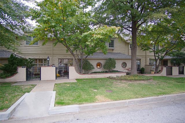 109 E 22nd Street #4, Tulsa, OK 74114 (MLS #1835601) :: American Home Team