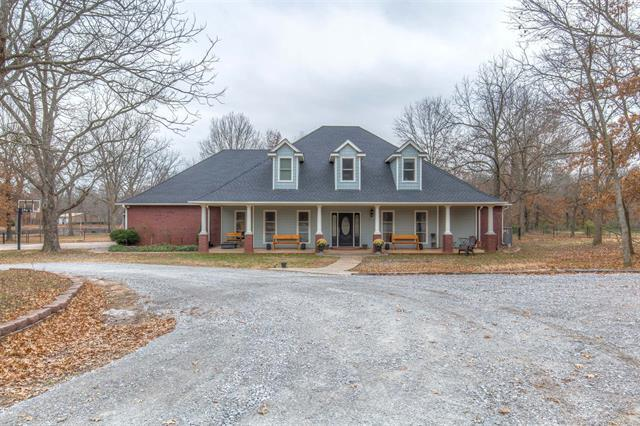 30050 E 6th Street, Catoosa, OK 74015 (MLS #1845907) :: American Home Team