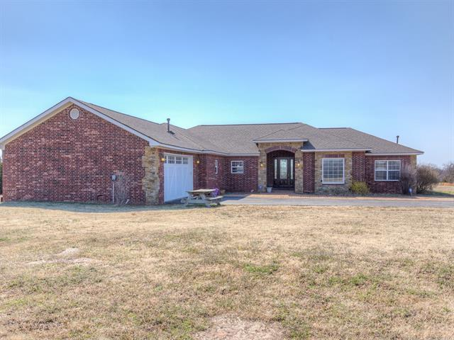 2816 S 265th Avenue, Sand Springs, OK 74063 (MLS #1909436) :: RE/MAX T-town