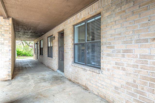 8130 E 12th Street 1D1, Tulsa, OK 74112 (MLS #1912456) :: 918HomeTeam - KW Realty Preferred