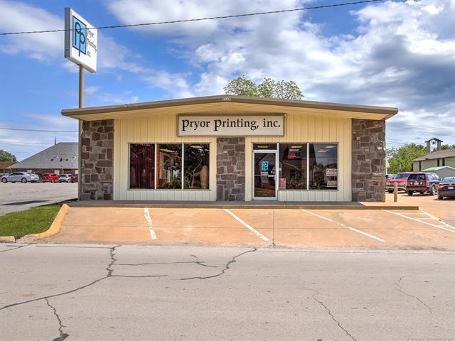 15 S Vann Street, Pryor, OK 74361 (MLS #1915403) :: 918HomeTeam - KW Realty Preferred