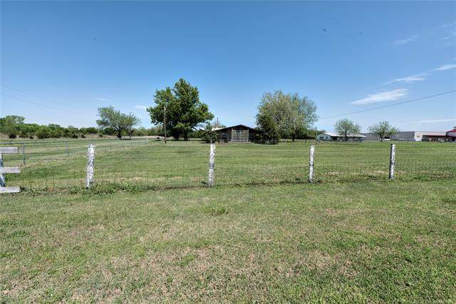301 E Prospect Avenue, Ponca City, OK 74601 (MLS #1932660) :: 918HomeTeam - KW Realty Preferred