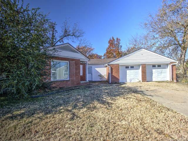 1911 College View Drive, Bartlesville, OK 74003 (MLS #1940432) :: 918HomeTeam - KW Realty Preferred
