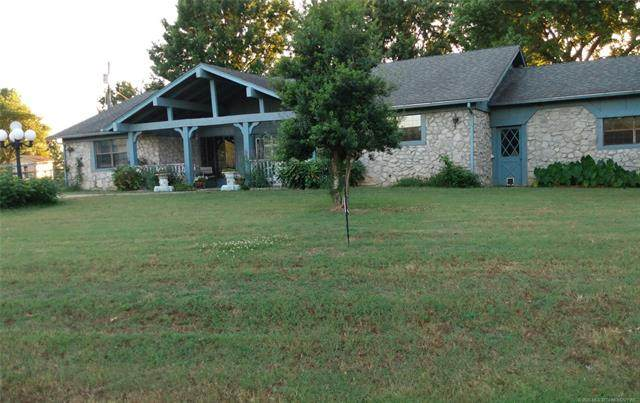 2686 Oakwood Drive E, Pryor, OK 74361 (MLS #2006311) :: 918HomeTeam - KW Realty Preferred