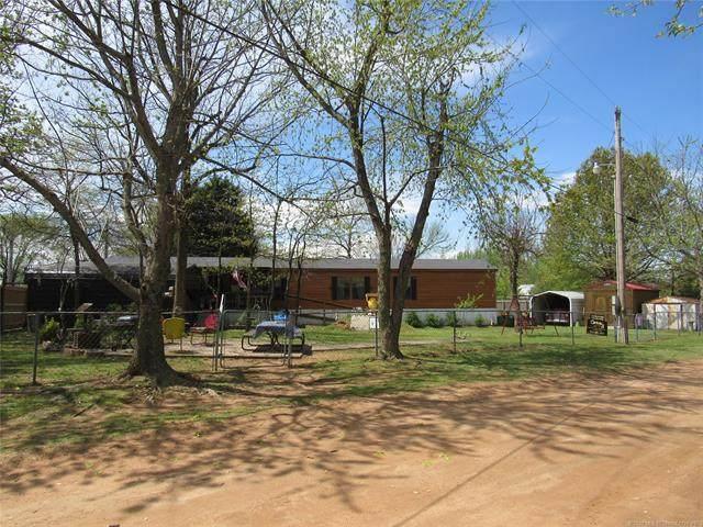 416778 Five Tribes Road, Checotah, OK 74426 (MLS #2010101) :: 918HomeTeam - KW Realty Preferred