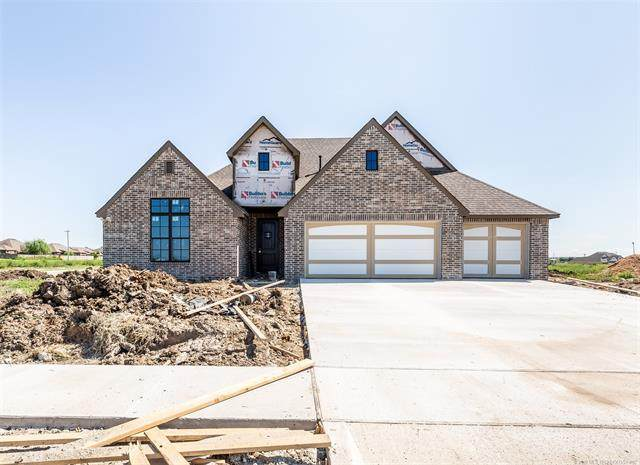 2923 E Rockford Place, Broken Arrow, OK 74014 (MLS #2014705) :: Hopper Group at RE/MAX Results