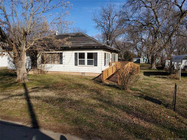 212 Lucy Gilmore Street, Pawnee, OK 74058 (MLS #2023434) :: Hopper Group at RE/MAX Results