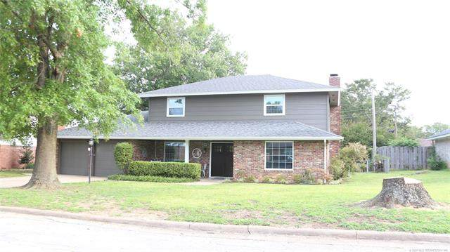 2008 E 14th Place, Ada, OK 74820 (MLS #2031722) :: Hopper Group at RE/MAX Results
