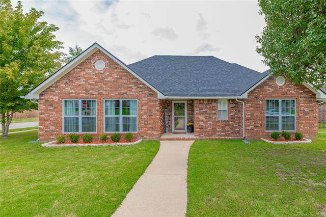 14247 N 106th East Avenue, Collinsville, OK 74021 (MLS #2033634) :: Active Real Estate