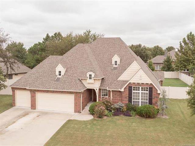 309 S 76th Street, Broken Arrow, OK 74014 (MLS #2033971) :: RE/MAX T-town