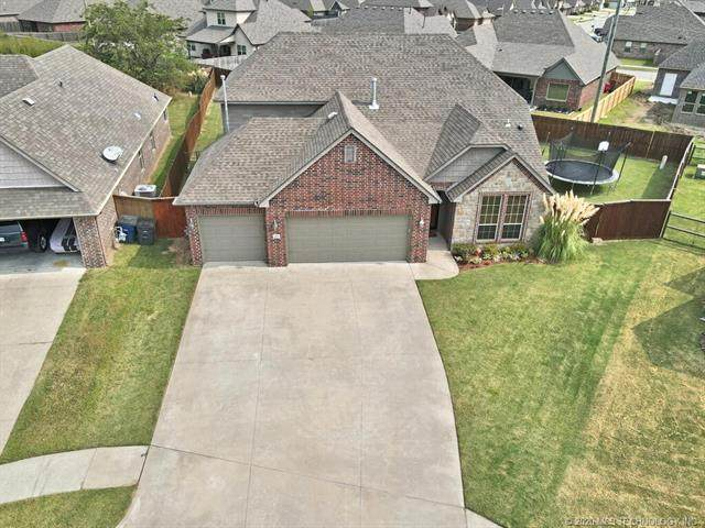 18513 E 46th Street, Tulsa, OK 74134 (MLS #2034593) :: RE/MAX T-town
