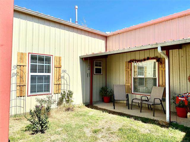 16440 County Road 3548, Ada, OK 74820 (MLS #2036491) :: Hopper Group at RE/MAX Results
