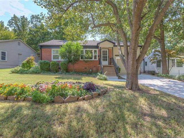 2554 E 17th Street, Tulsa, OK 74104 (MLS #2036607) :: Hopper Group at RE/MAX Results