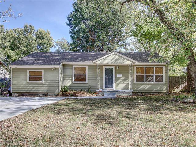 813 S Russell Street, Skiatook, OK 74070 (MLS #2037893) :: Hopper Group at RE/MAX Results