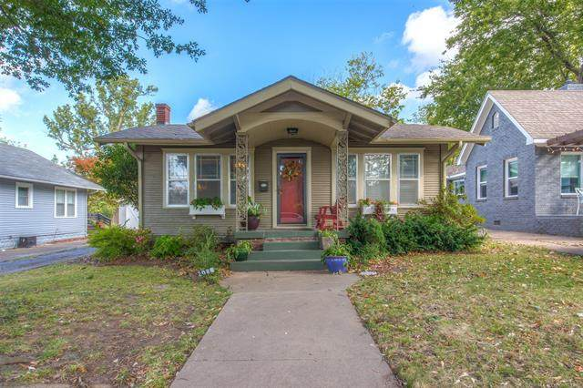 2015 E 14th Place, Tulsa, OK 74104 (MLS #2038187) :: Active Real Estate