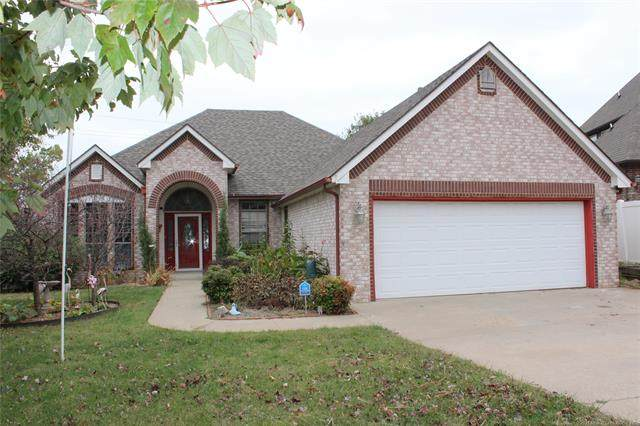 505 W 51st Place, Sand Springs, OK 74063 (MLS #2038863) :: RE/MAX T-town