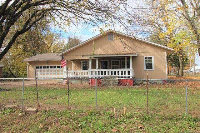 519 N Hickory Street, Sallisaw, OK 74955 (MLS #2039386) :: Hopper Group at RE/MAX Results