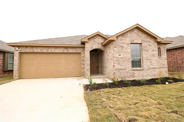 88 Tallgrass Street, Calera, OK 74730 (MLS #2040299) :: Active Real Estate