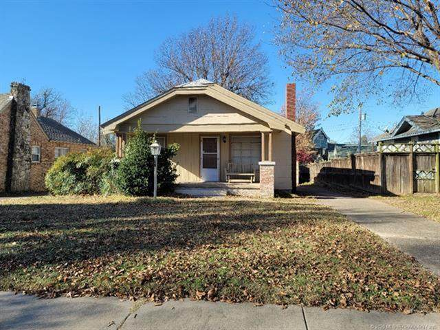 1732 S Gary Place, Tulsa, OK 74104 (#2042650) :: Homes By Lainie Real Estate Group