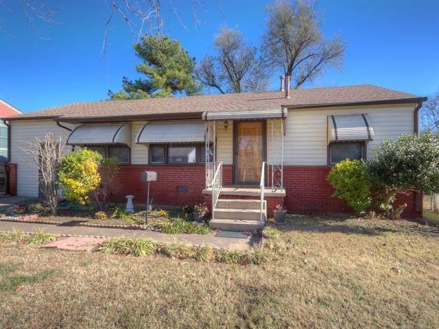 909 Douglas Avenue, Sand Springs, OK 74063 (MLS #2042833) :: 580 Realty