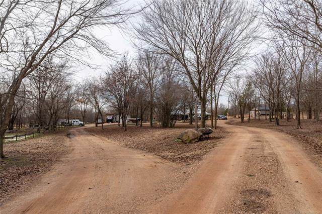 2011 S 14th Street, Okemah, OK 74859 (MLS #2043959) :: Hopper Group at RE/MAX Results