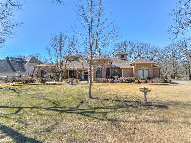 9012 S 43rd West Avenue, Tulsa, OK 74132 (MLS #2105841) :: Owasso Homes and Lifestyle