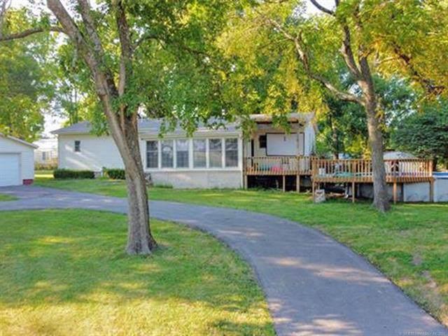 441185 Cedar Crest Drive - Photo 1