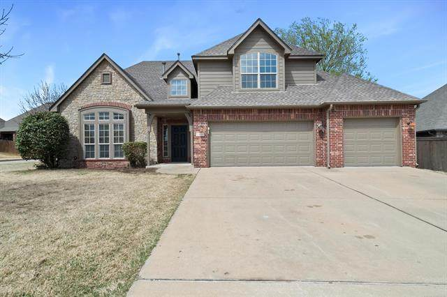 1900 E Laredo Street, Broken Arrow, OK 74012 (MLS #2108497) :: 918HomeTeam - KW Realty Preferred