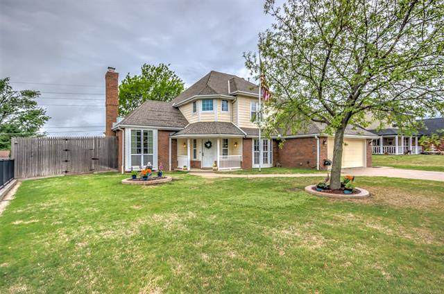 217 Steeper Drive, Bartlesville, OK 74006 (MLS #2109089) :: Hopper Group at RE/MAX Results