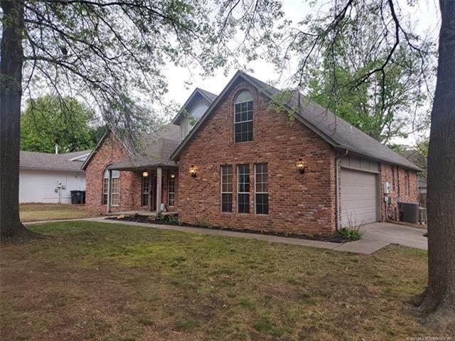 7035 E 99th Place, Tulsa, OK 74133 (MLS #2110933) :: RE/MAX T-town