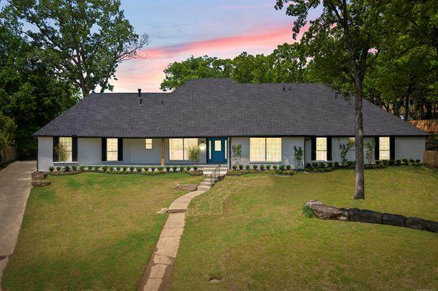 2901 E 74th Street S, Tulsa, OK 74136 (MLS #2114221) :: 918HomeTeam - KW Realty Preferred