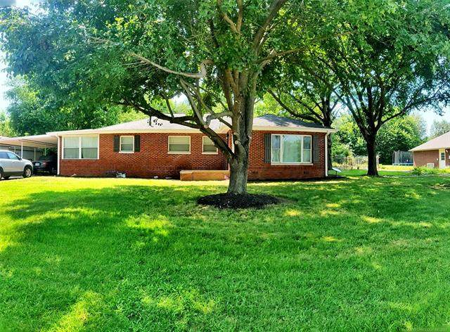 822 N 11th Street, Collinsville, OK 74021 (MLS #2119126) :: Hopper Group at RE/MAX Results