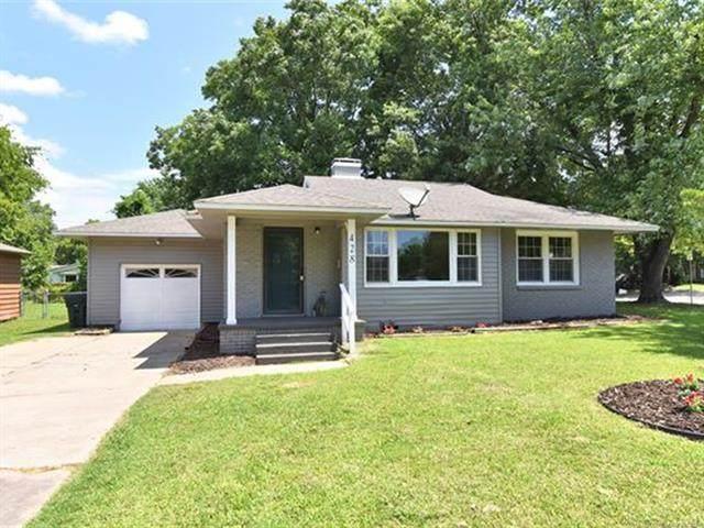 428 E 10th Street, Claremore, OK 74017 (MLS #2122200) :: 918HomeTeam - KW Realty Preferred