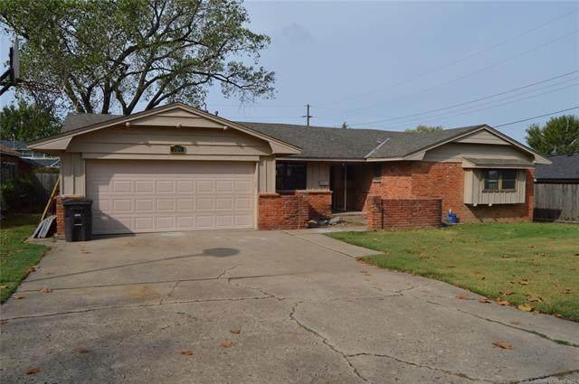 709 SE Crown Drive, Bartlesville, OK 74006 (MLS #2123630) :: 918HomeTeam - KW Realty Preferred