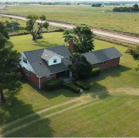 1664 Powell, Sulphur, OK 73086 (MLS #2124657) :: Owasso Homes and Lifestyle