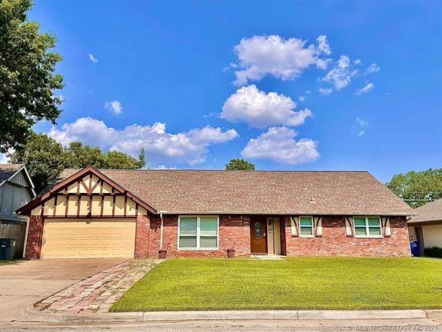 4643 S Oxford Avenue, Tulsa, OK 74135 (#2125140) :: Homes By Lainie Real Estate Group