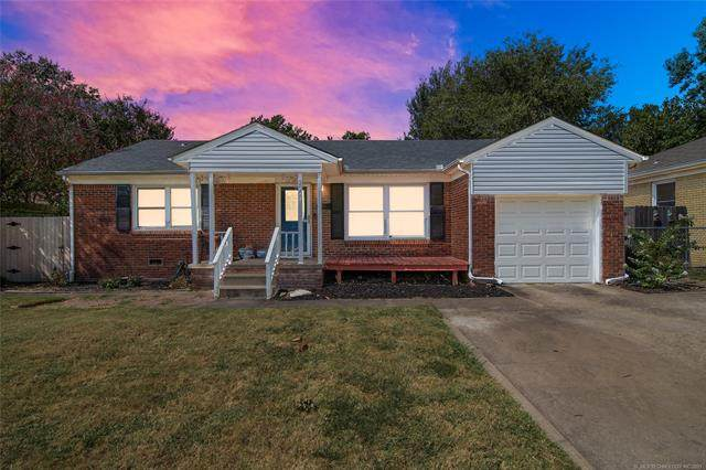 2668 S Winston Avenue, Tulsa, OK 74114 (MLS #2132428) :: 918HomeTeam - KW Realty Preferred