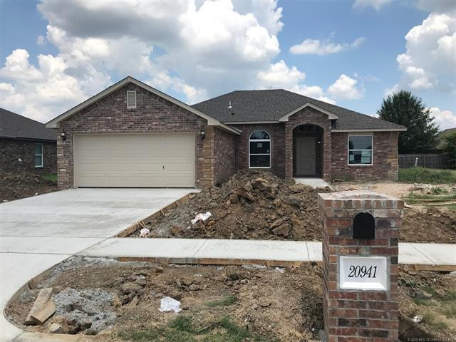 20941 E 40th Place S, Broken Arrow, OK 74014 (MLS #1814479) :: Hopper Group at RE/MAX Results