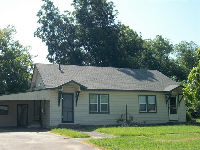 109 N Adair Street, Pryor, OK 74361 (MLS #1919686) :: 918HomeTeam - KW Realty Preferred
