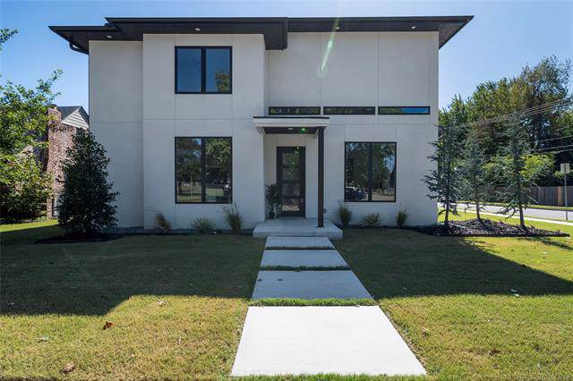 1404 E 36th Place, Tulsa, OK 74105 (MLS #1936804) :: 918HomeTeam - KW Realty Preferred