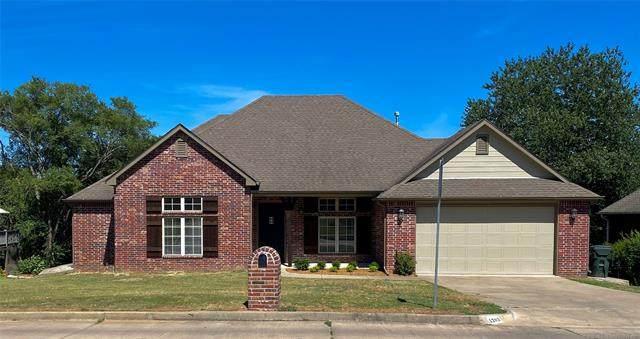 1202 N Faulkner Drive, Claremore, OK 74017 (MLS #2022426) :: Hometown Home & Ranch