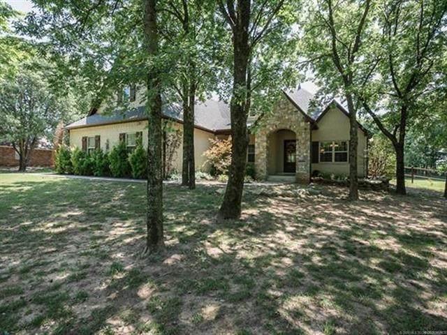 19952 E Redbud Drive, Owasso, OK 74055 (MLS #2028503) :: Active Real Estate