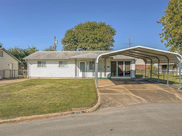 2206 S Cedar Street, Sapulpa, OK 74066 (MLS #2029987) :: Hometown Home & Ranch