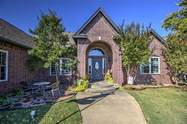 2701 Forest Ridge Parkway, Claremore, OK 74017 (MLS #2034649) :: Hopper Group at RE/MAX Results