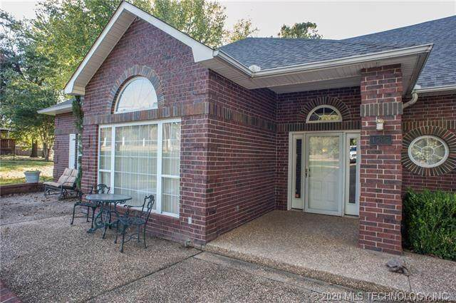 1707 S 14th, Mcalester, OK 74501 (MLS #2035664) :: Hopper Group at RE/MAX Results